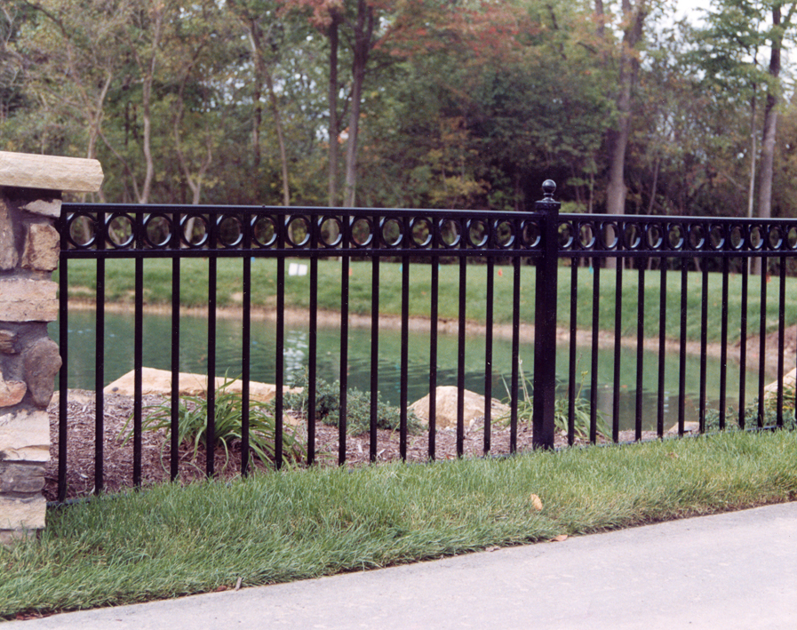 Fence service 3 - Aluminum vs steel fencing ...